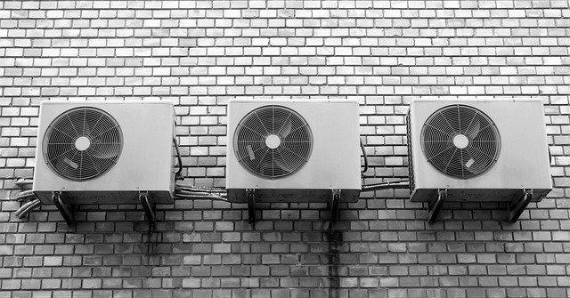 zeď a ventilátory.jpg