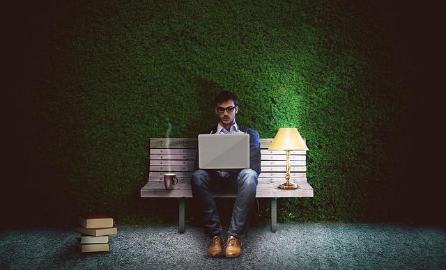 workoholik spisovatel